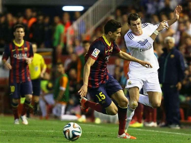 Four years since Bale burst past Bartra with 'that' run. EFE