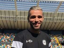 Behrami ya ha sido presentado como nuevo jugador del conjunto albinegro. Twitter/UdineseCalcio
