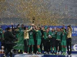 Beijing Guoan, do brasileiro Renato Augusto vence a Copa da China. Twitter @CSLfutbol