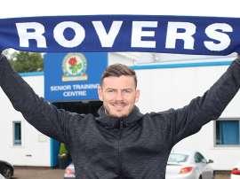 Gladwin firma con el conjunto de Owen Coyle por una temporada. Rovers