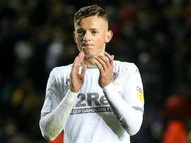 Liverpool pense à Ben White. LUFC