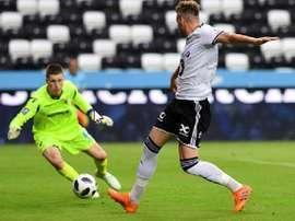 Bendtner hizo un doblete frente al Valur Reykjavik. RosenborgBK