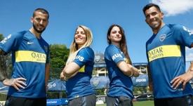 Benedetto y Tévez apoyaron al equipo femenino de Boca. BocaJuniors