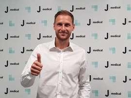 Benedikt Höwedes, en el momento de pasar el reconocimiento médico con la Juventus. JuventusFC