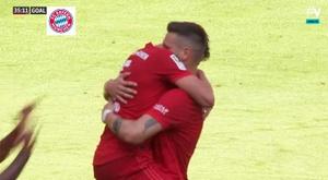 Pavard marca seu primeiro gol pelo Bayern. Captura/Movistar