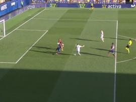 Benzema against Levante. Screenshot/MovistarLaLiga