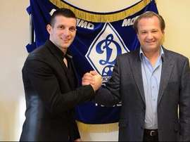 Beqiraj en su presentación como nuevo jugador del Dinamo de Moscú. Twitter