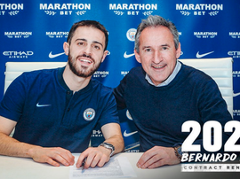 Bernardo Silva renovou até 2025. ManCity