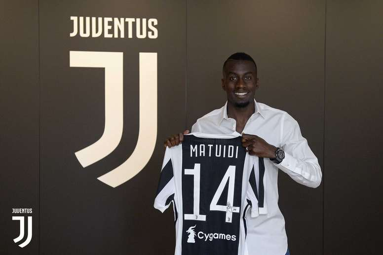 buy popular e84a3 709af Matuidi delighted to join Juventus - BeSoccer