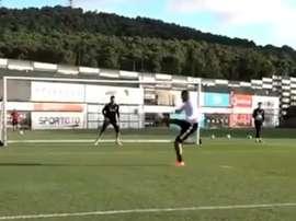 O gol de Boateng ao melhor estilo karatê. Captura/Besiktas