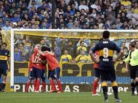Boca Juniors e Independiente andan tras la pista del mismo jugador. EFE