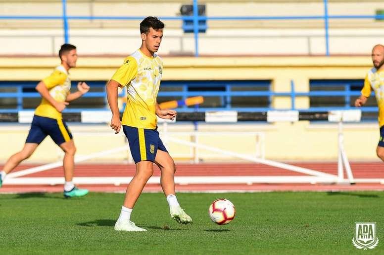 Borja Domínguez jugará en el Pontevedra hasta final de curso. ADAlcorcón