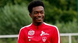 Lenny Pintor aún espera su oportunidad para debutar como profesional. StadeBrestois