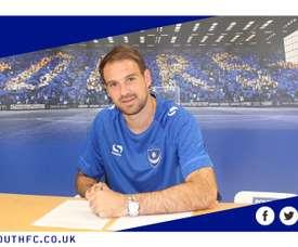 El delantero ha llegado a un acuerdo con la entidad inglesa hasta 2020. PortsmouthFC