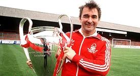 O treinador que mudou a história do Nottingham Forest. Knows