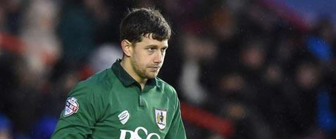 Bristol City goalie Frank Fielding will be out for up to four months. BristolCityFC