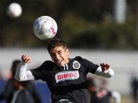 El jugador de Chivas pidió paciencia a sus aficionados. Twitter