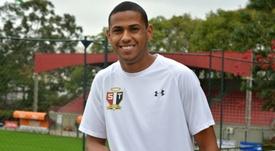El ex de Figueirense ya luce la elástica de Sao Paulo. SaoPauloFC