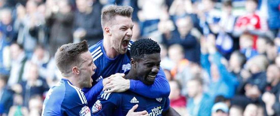 Ecuélé Manga acaba contrato con el Cardiff este verano. CadiffCityFC