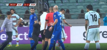 Bruno Fernandes acaparó todos los 'flashes' en ausencia de Cristiano. Captura/UEFATV