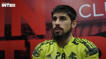El Atlético piensa en Bruno Méndez como sustituto de Giménez. Captura/SportClubInternacional