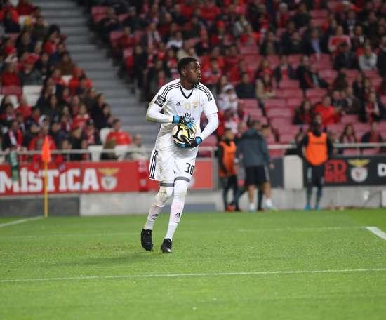 Bruno Varela estará emprestado ao Ajax até ao final da temporada. Twitter/SLBenfica