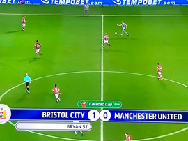 Bryan scores against Manchester United. Twitter