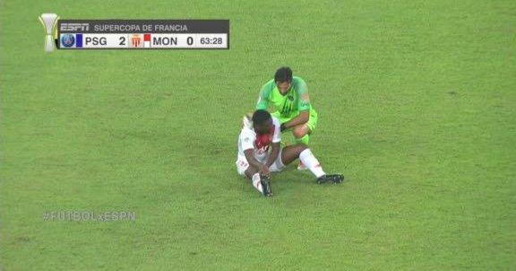 Buffon est allé voir Aholou en plein match. Capture/ESPN