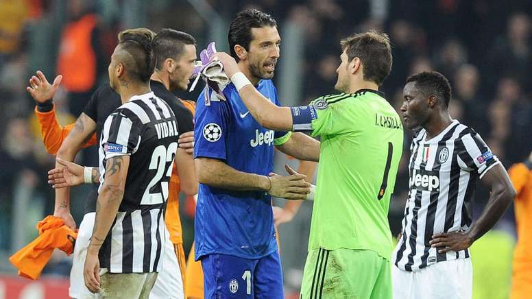 Buffon could sign for Porto if Casillas is unable to return to football. EFE
