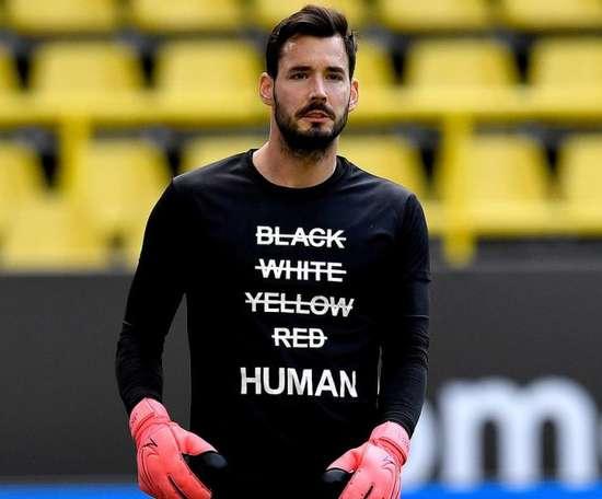 Burki renova com o Borussia Dortmund até 2023. Twitter/BVB
