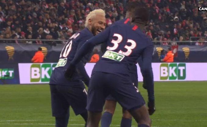 Kouassi marque son 1er but avec le PSG. Capture/Canal+