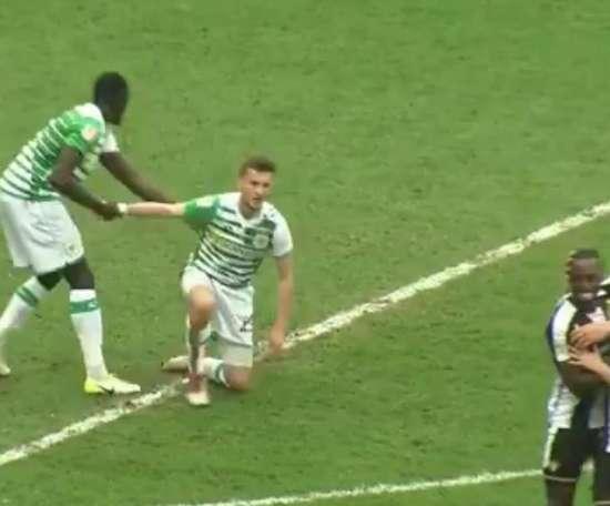 Tom James nunca olvidará ese gol. Capture/EFL
