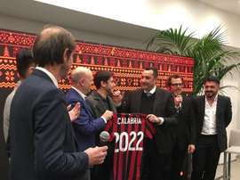 Right-back Davide Calabria has signed a new AC Milan contract. Twitter/ACMilan