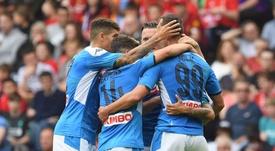 Callejón, Mertens y Milik arropan a Lorenzo Insigne tras su gol al Liverpool en el amistoso disputado en Edimburgo, durante la pretemporada 2019-20. LFC