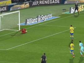 Calleri made no mistake of the penalty. Twitter/ElChiringuitoTV