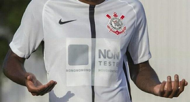 Corinthians será el primer equipo que juegue con este tipo de publicidad. AFP