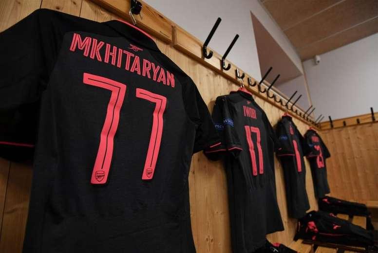Imágenes numeradas - Página 2 Camiseta-de-mkhitaryan-con-el-dorsal--77--para-el-partido-de-uefa-europa-league-frente-al-ostersunds--arsenal