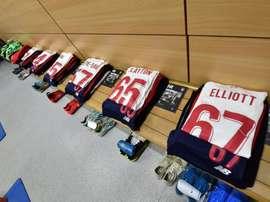 Le plus jeune Liverpool de l'histoire : 19 ans et 183 jours de moyenne d'âge. Twitter/LFC