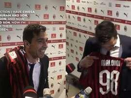 Buffon et sa collection de maillots. Captures/ClassicFootballShirts