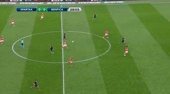 Benfica vence Spartak e se aproxima da Champions. Captura/Sport1