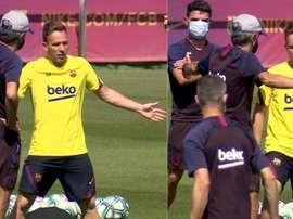 Setién spoke to Arthur at training. Screenshots/BarcaTV