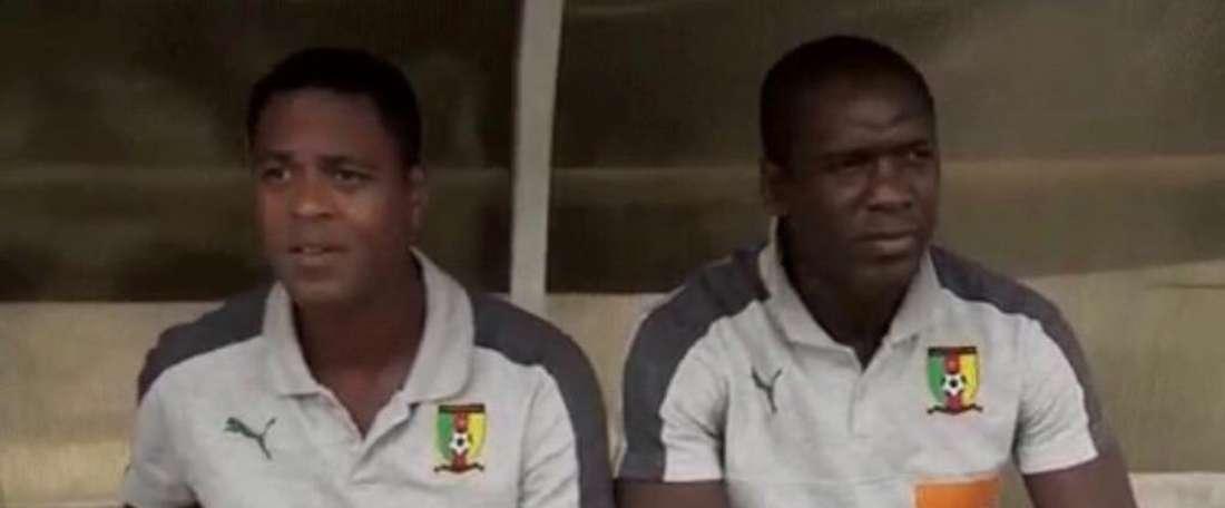 Captura de Clarence Seedorf e Patrick Kluivert na Seleção de  Camarões. Twitter/ToniPadi