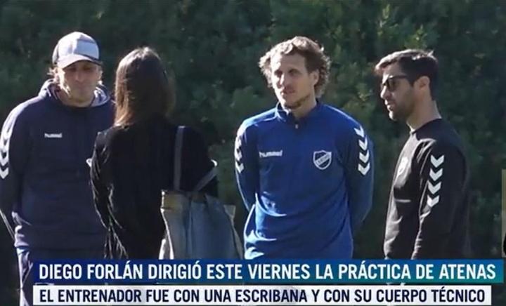 Pese a ser despedido, Diego Forlán se fue a entrenar. Captura/TeleVivo