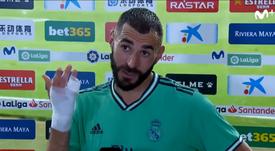 Benzema comenta a sua bela jogada. Captura/MovistarLaLiga