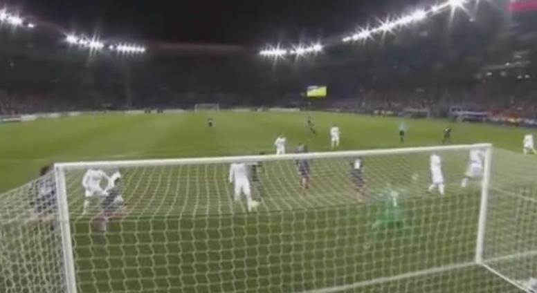 El PSG marcó un gol sin querer. beINSports