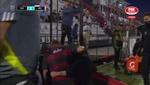 Beccacece gritó un gol mirando a la grada... ¡y lo agarraron del cuello!