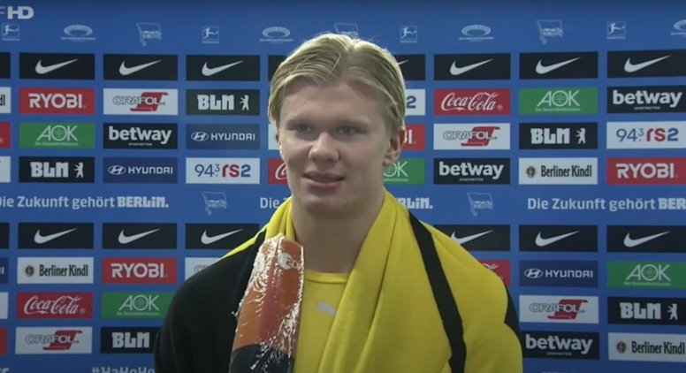 Haaland spoke about Moukoko's debut. Screenshot/ZDF