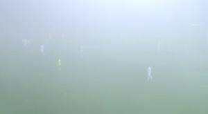 El encuentro se paró unos instantes por la niebla. Twitter