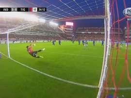 Gran parada de Batalla que evitó un gol cantado. Captura/FOXSports