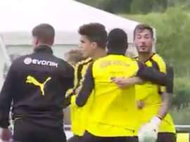 Burki and Ousmane Dembele had to be separated. Twitter